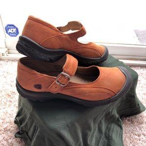Keen burnt orange shoes
